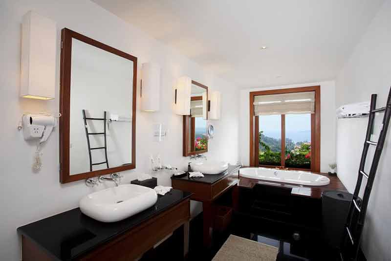 Baan Phu Prana bathroom