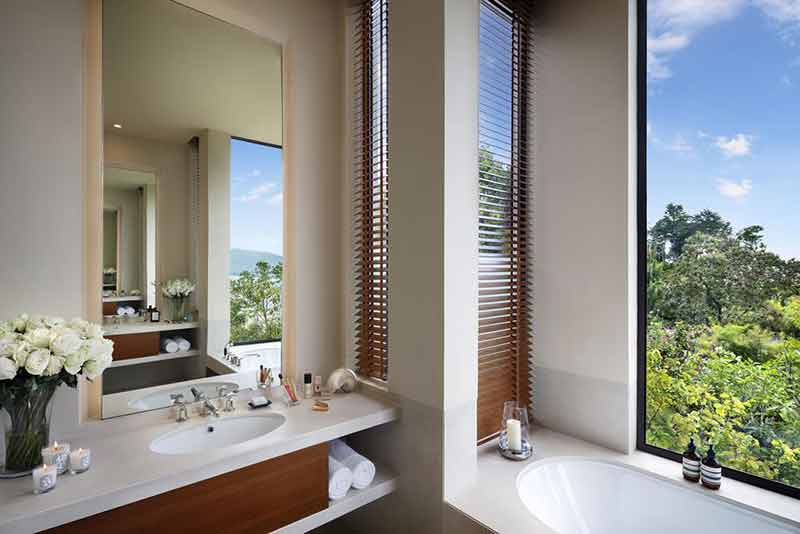 Anantara bathroom